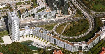 Bürogebäude Münchner Tor  Ausführungsart: Bitumen/Begrünung/Sarnafil Teichabdichtung