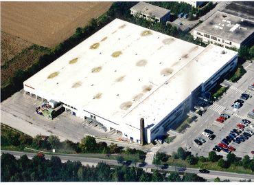 Einkaufscenter – Isar Center Ottobrunn,  Ausführungsart: Sanierung – Folienabdichtung Sarnafil T 66-20